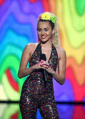 Miley Cyrus: 2015 MTV Video Music Awards in Los Angeles [adds]-101